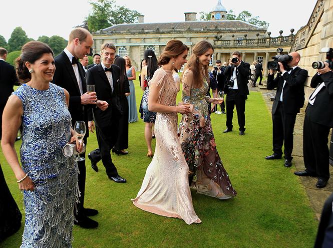Фото №24 - Самые трогательные моменты из жизни герцогини Кембриджской в 2016 году