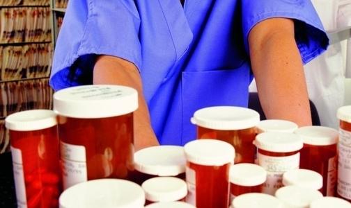 Фото №1 - ФСКН освободила аптеки и клиники от своих проверок