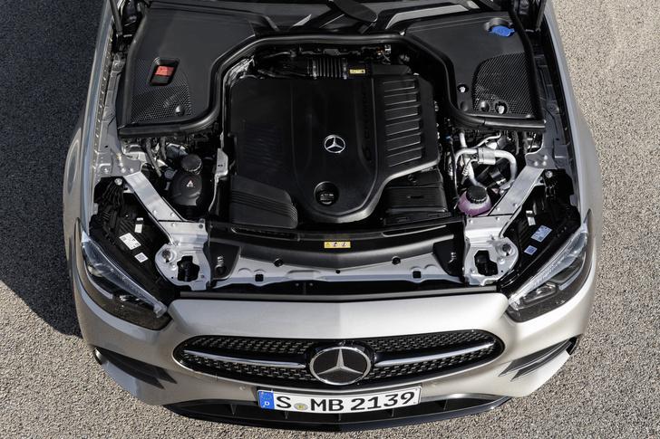 Фото №5 - Обновленный Mercedes-Benz E-класса оказался дороже BMW