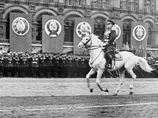 Фото №4 - Этот День Победы: как советский народ жил, любил и ждал все 1418 дней войны