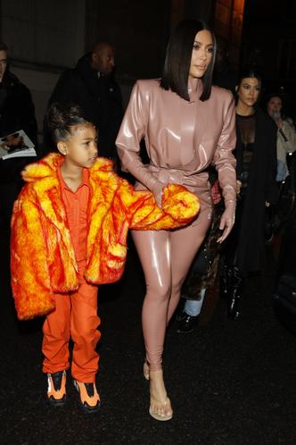 Фото №3 - Модные с пеленок: как звезды одевают своих детей