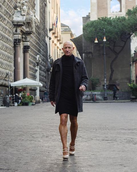 Фото №2 - Инженер, тренер, любитель женских туфель: пенсионер из Германии рассказал, почему носит каблуки