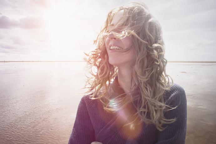 Почему отношения после 40 могут стать счастливее