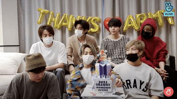 Фото №1 - BTS провели лайв сразу после «Грэмми», чтобы лично поблагодарить фанатов за поддержку