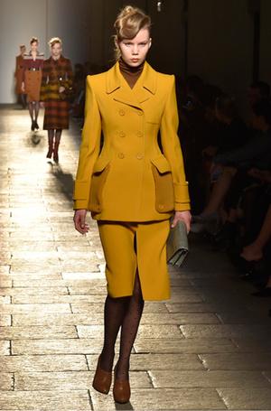Фото №12 - И в тренде, и в офисе: 7 самых модных идей одежды для работы