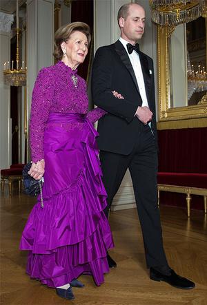 Фото №4 - Норвежские принцесса и королева показали класс в экономии на платьях