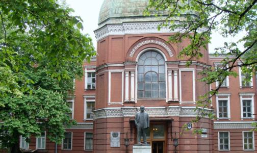 Фото №1 - В больницах Петербурга частично отменили плановую госпитализацию