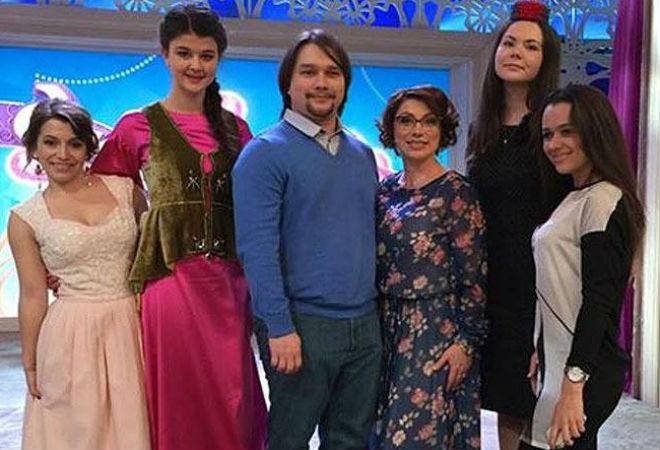 «Давай поженимся»: Роза Сябитова с сыном, фото