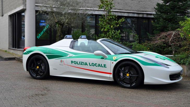 Фото №7 - 10 необычных профессий для Ferrari: скорая помощь, полиция и другие
