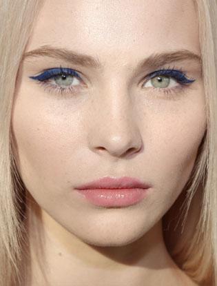 Фото №8 - Три идеи для макияжа на корпоратив от YSL