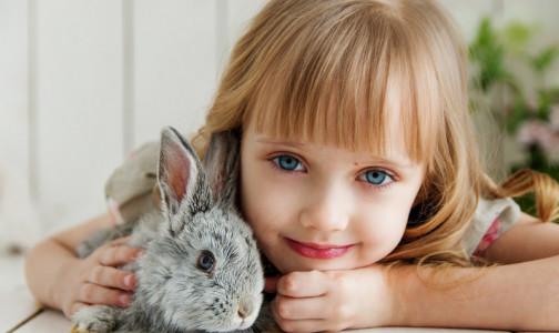 Фото №1 - Посмотрите в глаза: рак у ребенка можно распознать по фото
