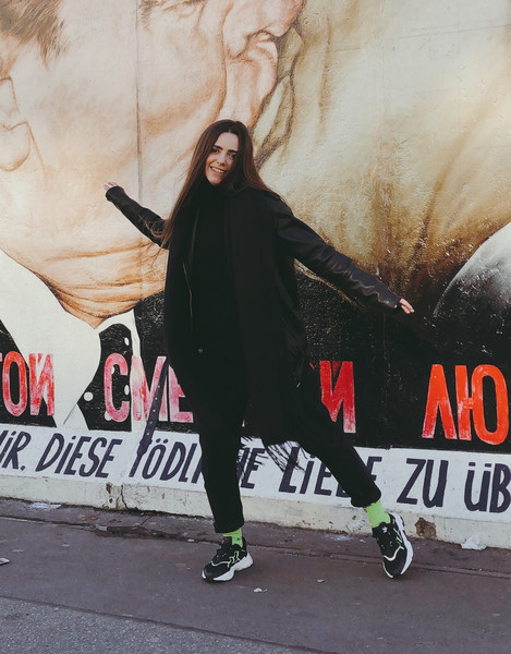 Куртка: Monki, водолазка: Uniqlo, джинсы: Pull & Bear, шарф: H& M, носки: Спутник 1985, кроссовки: adidas