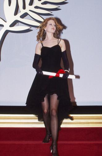 Фото №8 - Королева Канн: все модные образы Николь Кидман за историю кинофестиваля