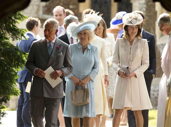 Фото №8 - Гардероб Кэрол Миддлтон: как одевается мама герцогини Кембриджской