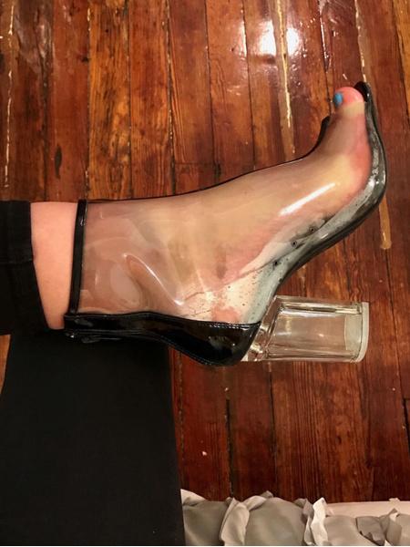 Фото №2 - Ожидание VS реальность: вся правда о прозрачной обуви