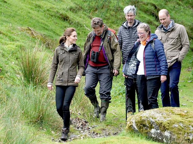 Фото №2 - Герцогиня Кейт освоила новые фермерские навыки