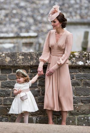 Фото №5 - Десять лет во дворце: как Кейт Миддлтон навсегда изменила королевский стиль