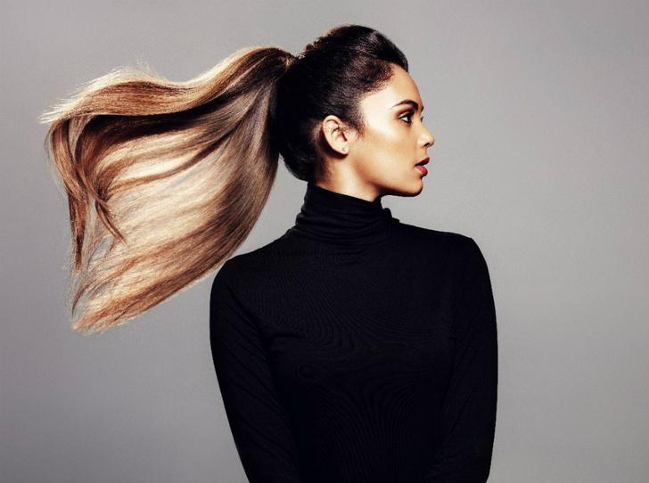 Фото №1 - Сколько волос вы теряете каждый день (и что с этим можно сделать)