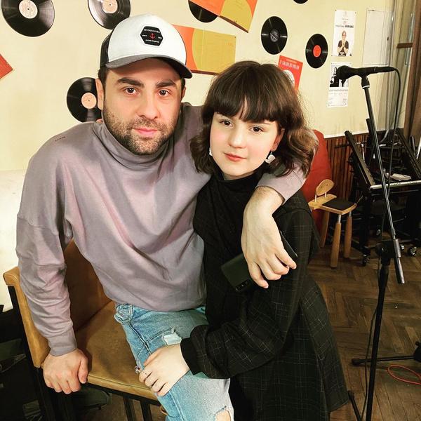 Фото №2 - Похожи? Сосо Павлиашвили показал взрослого сына и младшую дочь
