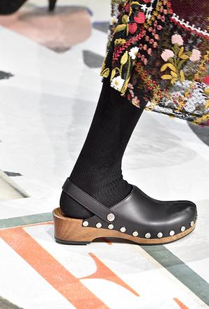 Фото №11 - Красота не главное: как и почему кроксы стали самой модной обувью