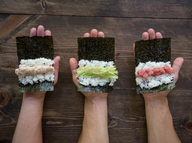 Фото №2 - Азия рядом: 3 необычных рецепта роллов, которые можно приготовить дома