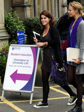 Фото №21 - Виндзоры-студенты: самые забавные и трогательные фото членов королевской семьи во время учебы в университете