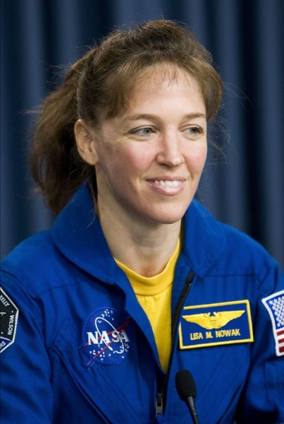 Фото №2 - Из космоса в тюрьму: как астронавтка победила силу притяжения, но не свою ревность, и пошла на убийство соперницы