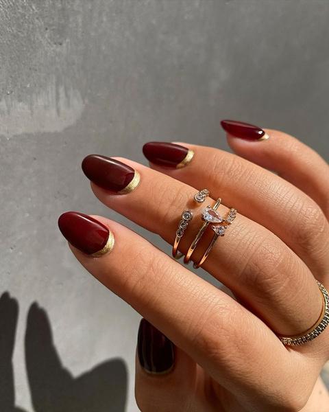 Фото №1 - Как красить ногти на Новый год 2021