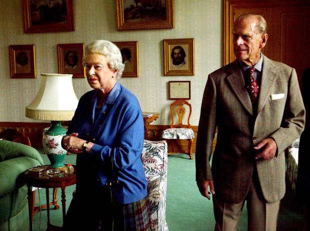 Фото №2 - Черный список: кого Королева не пригласила на каникулы в Балморал (и почему)
