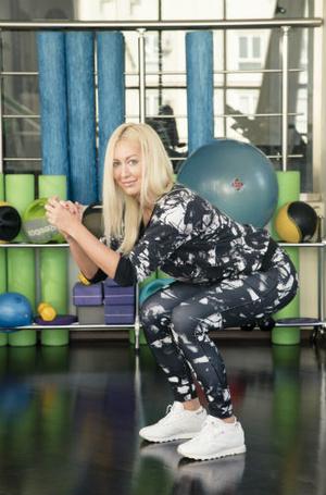Фото №5 - 10 минутный комплекс упражнений для тех, у кого нет времени на спорт