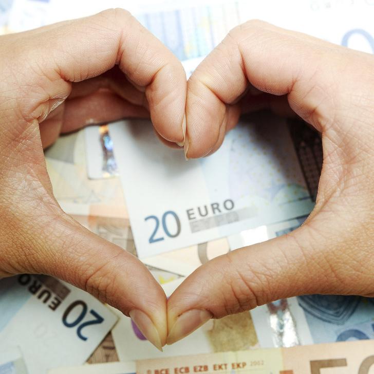Фото №1 - Женщины ассоциируют деньги с любовью, а мужчины со свободой