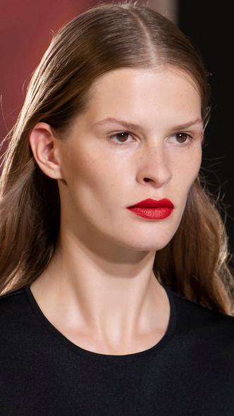 Фото №10 - Главные тренды макияжа весны и лета 2021