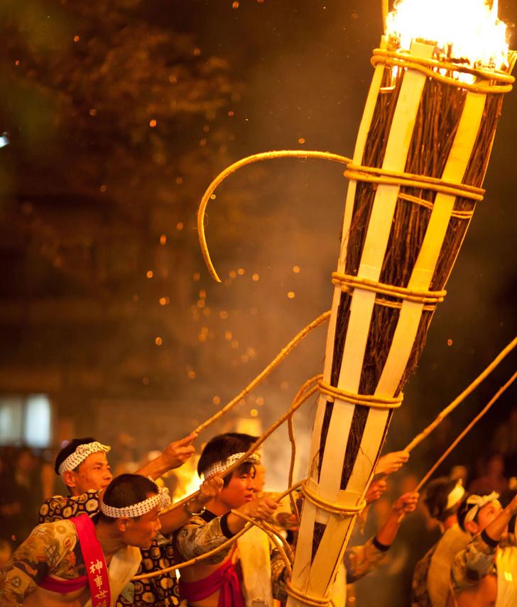 Фото №1 - Традиции: Курама-но-хи мацури, Япония