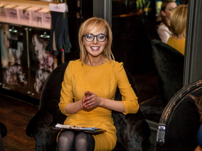 Фото №7 - Звезды и редакция Marie Claire на девичнике в бутике Agent Provocateur