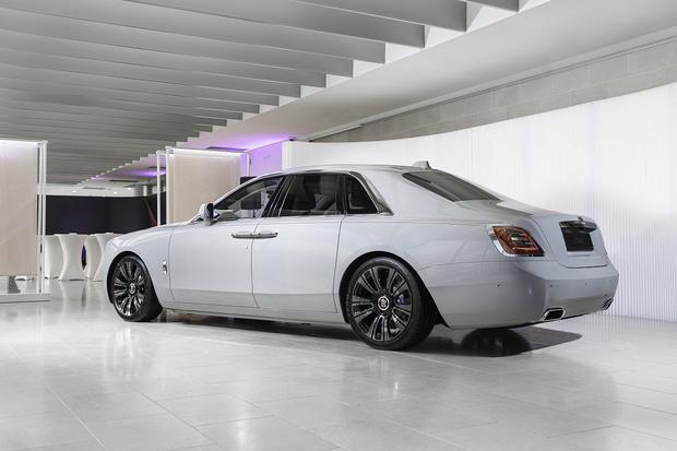 Фото №3 - Минимализм, сдержанность и чистый дизайн:Rolls-Royce Ghost дебютирует в России