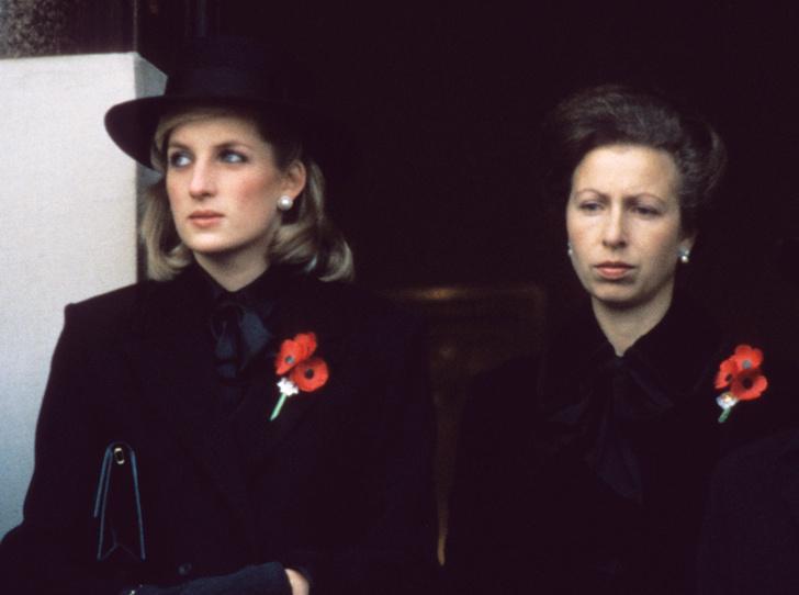 Фото №1 - Такие разные принцессы: почему Анна так и не подружилась с Дианой