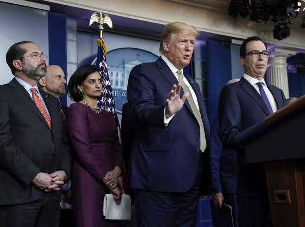 Фото №3 - Ничего святого: Дональда Трампа обвинили в попытке заработать на эпидемии коронавируса