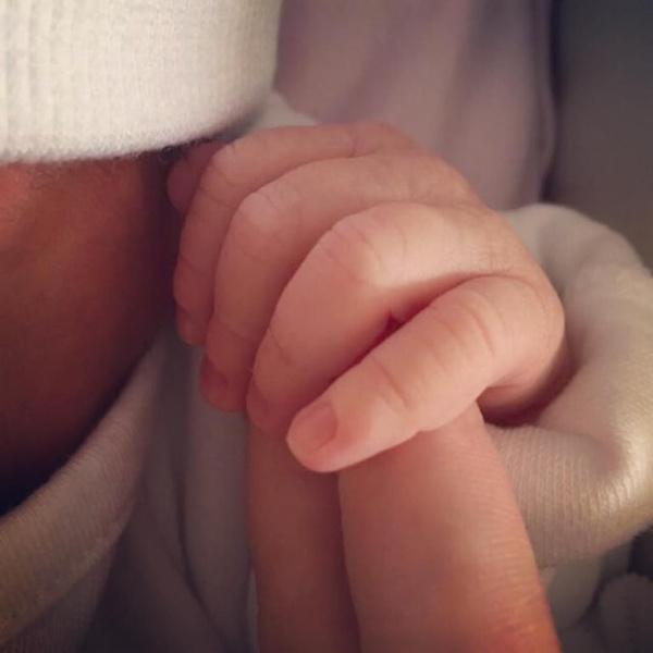 Фото №1 - «Я болела, не переставая, месяца три. И какие тут дети?»: Юлия Савичева вспомнила трудную беременность