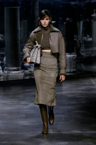 Фото №2 - Полный гид по самой модной верхней одежде на осень и зиму 2021/22