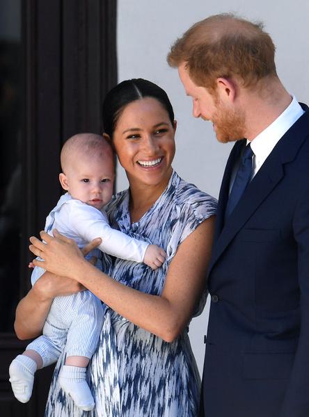 Фото №1 - Эксперт: принцесса Диана была бы рада узнать, что принц Гарри уехал из «удушающего» дворца