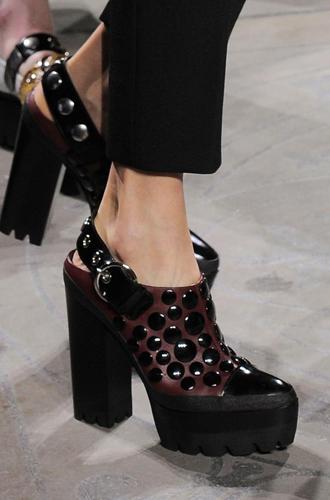 Фото №86 - Самая модная обувь сезона осень-зима 16/17, часть 2