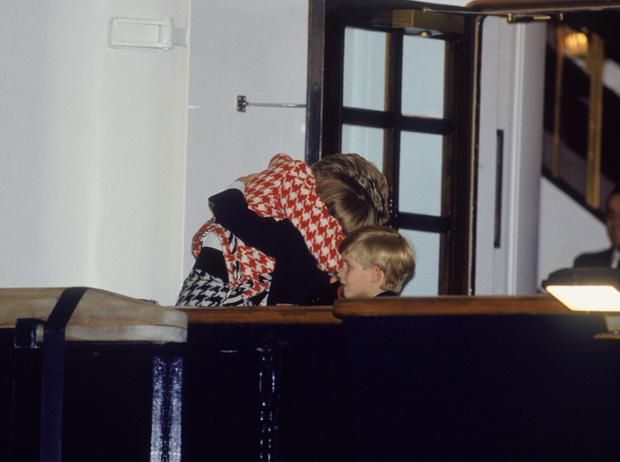 Фото №18 - История в фотографиях: какой мамой была принцесса Диана