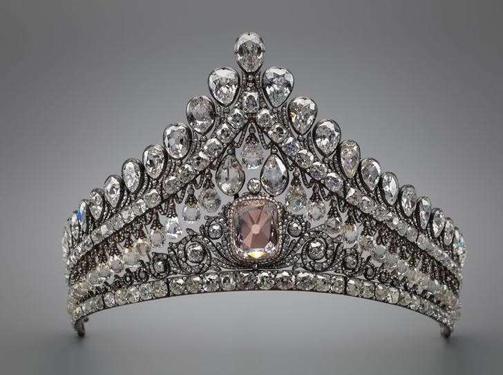 Фото №9 - Утраченные сокровища Империи: самые красивые тиары Романовых (и где они сейчас)