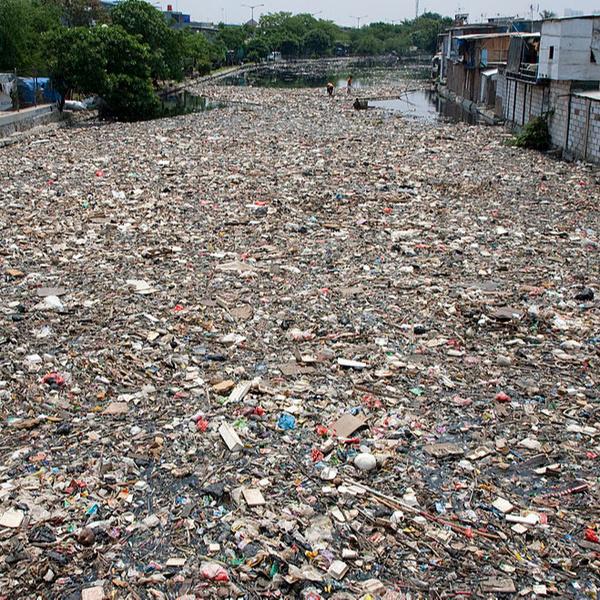 Фото №3 - Прекрасные места планеты, которые люди забросали мусором