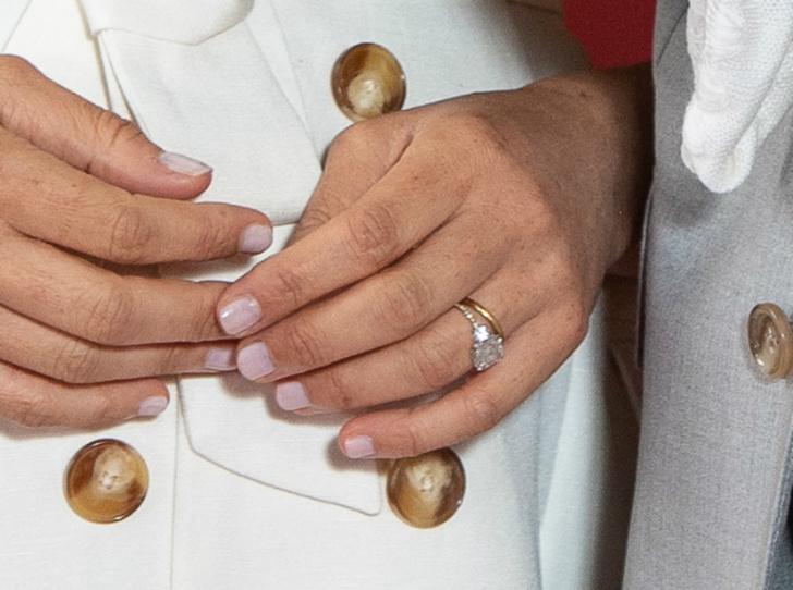 Фото №4 - Герцогиня Меган изменила дизайн помолвочного кольца
