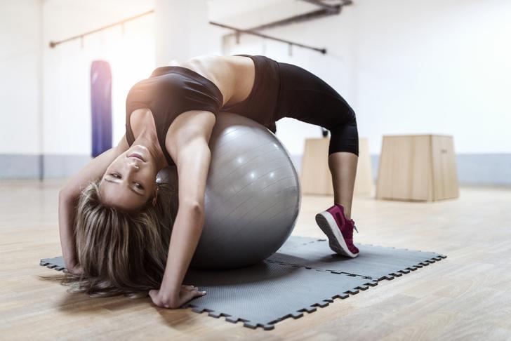 Фото №2 - 5 популярных фитнес-упражнений, опасных для здоровья