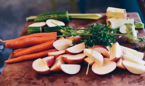 Фото №1 - Диетолог назвал продукты, которые защитят от вирусов и бактерий