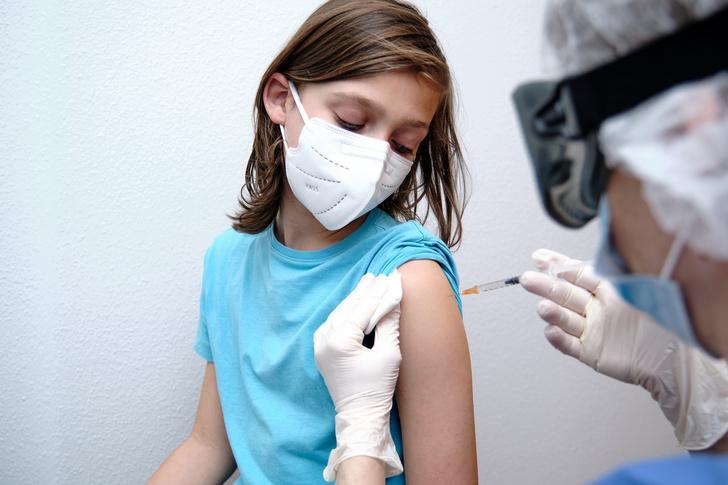 Фото №1 - Вакцина от коронавируса для детей появится в России к середине сентября