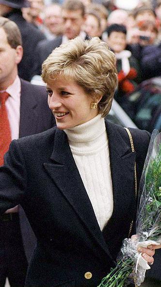 Фото №20 - Любимый предмет гардероба: как принцесса Диана носила жакеты и блейзеры— 30 вдохновляющих примеров