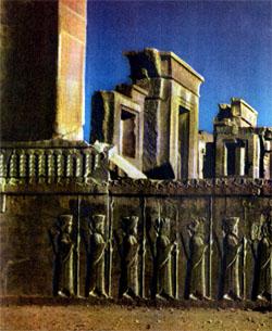 Фото №3 - Пламя над Персеполем